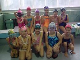 Plavání ve školním bazénu