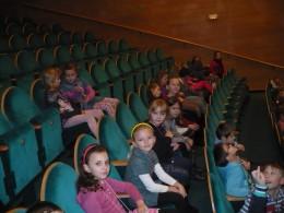 Listopad  -  V divadle