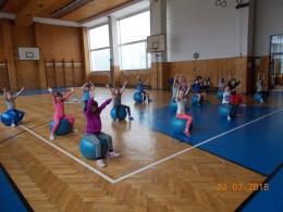 Cvičení s gymnastickými míči
