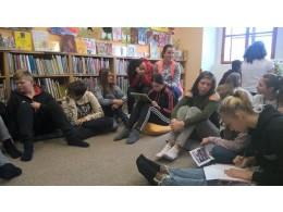 Hodina výchovy k občanství v knihovně