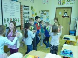 Tančíme a zpíváme